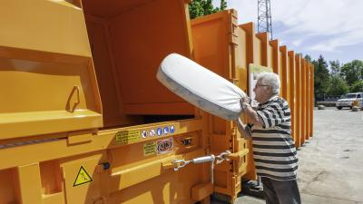 Oude matrassen gratis naar recyclagepark -